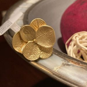 Chico's Matte Gold Bold Flower Ring